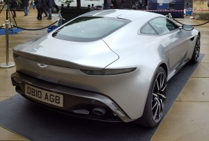 Aston_Martin_DB10_2015_-_rear
